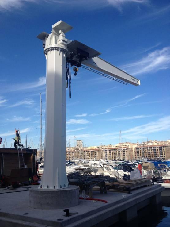 Potence GBR Port de Marseille
